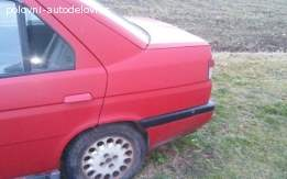 Alfa Romeo kopletan auto u delovima 155