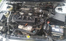 Nissan Primera p11 limuzina 1.8b