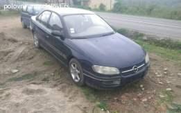 Opel omega 2.0 bezinac Delovi 061-6226-825 viber sms poziv