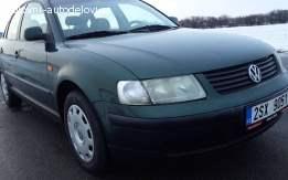 VW Passat 1.6B Delovi